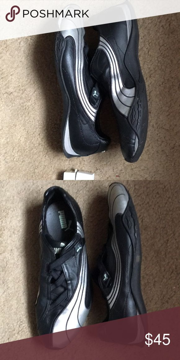 Puma leather shoe Foot conforming shoe cushiony support sleek looking excellent condition Puma Shoes Athletic Shoes
