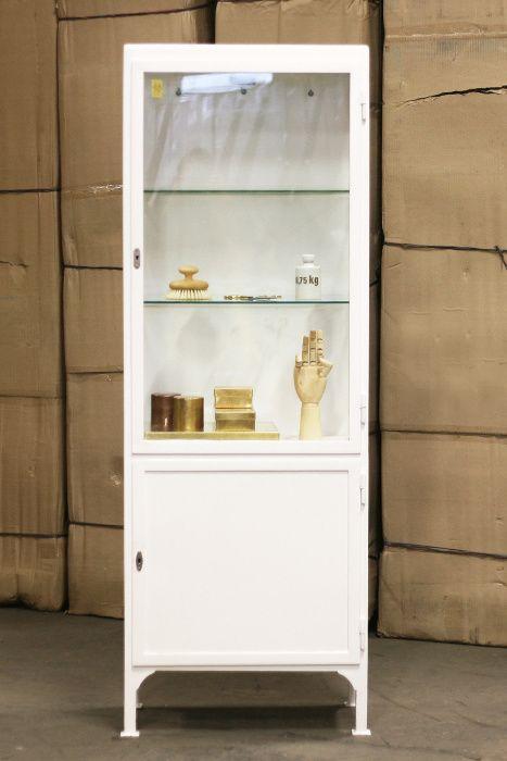 Vitrinskåpsjakt - Vintage Medicine Cabinet Slim | Artilleriet | Inredning Göteborg