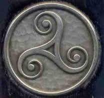 La cultura celta nos dejo muchos símbolos místicos y mágicos, el mas importante de todos es el triskel. Os parecerá curiosa la forma que tuve de conocer este símbolo, os lo voy a contar... Hay un s...
