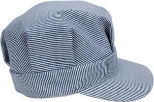 Cómo hacer una gorra de conductor de ferrocarril  d3f4b02119a