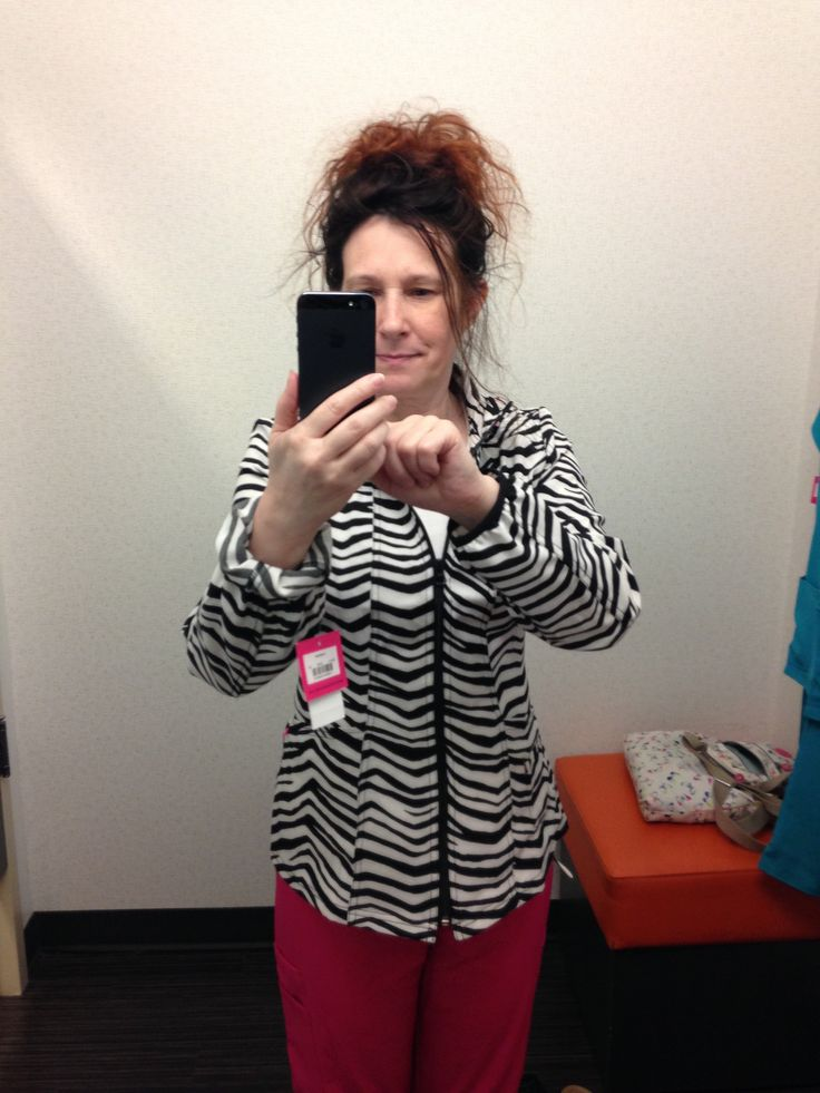 https://flic.kr/p/Fbbb27 | An amazing find, an amazing fit and what an amazing hair day. (photo unaltered) #zebra #hair #selfie #stripes #blackandwhite #shopping #mirror