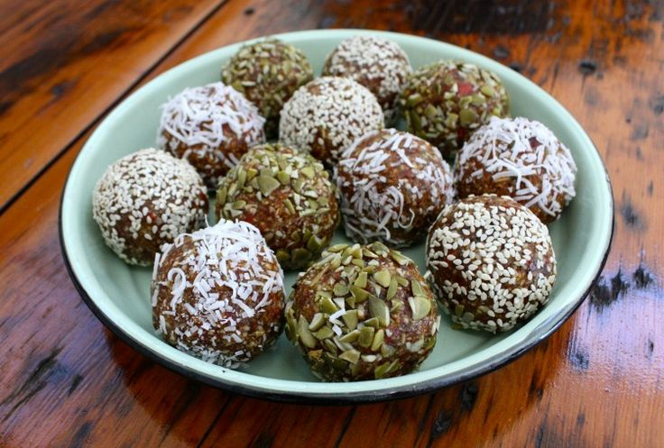 Naturally sweet, chewy and delicious, my easy no bake energy balls are the perfect snack to have in the fridge for those moments when you need a pick me up.