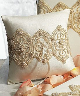 Beverly Clark The Luxe Collection Ring Pillow - THINGS FESTIVE