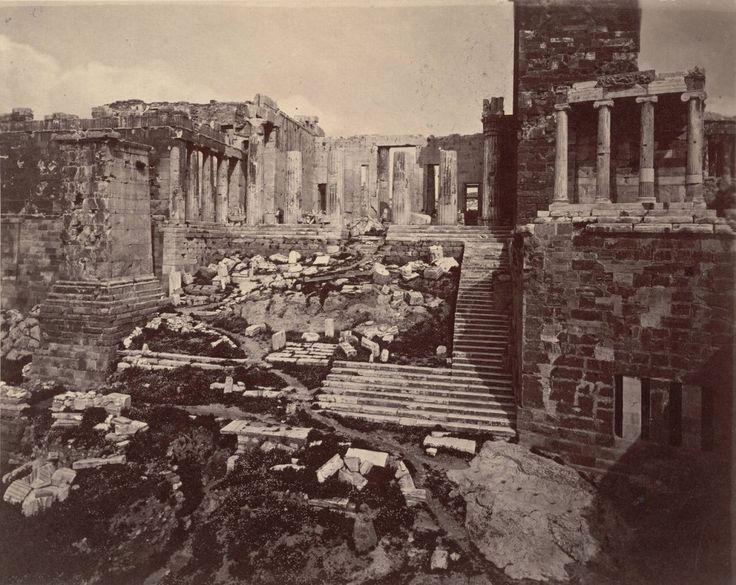 I propilei di Atene nel 1869