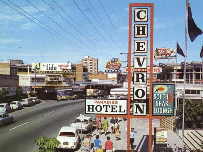 Chevron Hotel Vintage Surfers Paradise