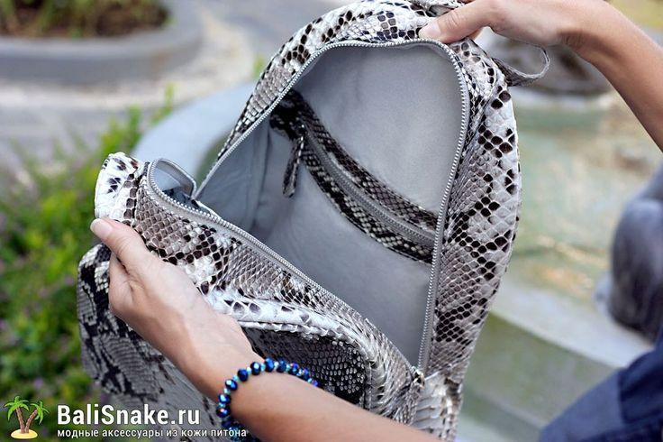 Рюкзак, размеры: 37 х 27 х 12. Цена: 10200 рублей.  📲 По всем вопросам заказа и доставки пишите в WhatsApp/ Viber/ SmS +79036678272 Виктория. 🎀Доставка напрямую с острова Бали по всему миру, в любые города и страны в течение 7-10 дней, курьером до двери✈📦🏩 #мода #модно #куртка #ручнаяработа #сумкиоптом #handmade #сумки #питон #luxury #snakeskin #balisnake #python #сумка #кожа #скидки #распродажи #питер #стиль #одежда #казань #краснодар #новгород #новосибирск #владивосток #клатч #рюкзак…