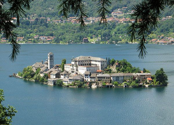 San Giulio: Ένα ειδυλλιακό νησί σε λίμνη
