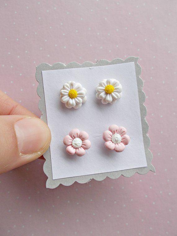 Flower Stud Earrings Flower Jewelry Flower Girl Earrings Etsy Polymer Clay Jewelry Diy Polymer Clay Crafts Cute Polymer Clay