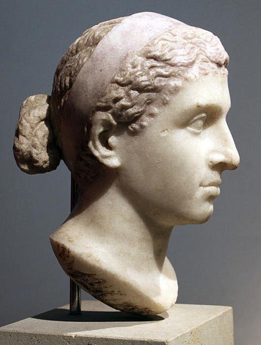 Ancient Roman sculptures in the Antikensammlung Berlin. Cleopatra, Brains as well as Beauty