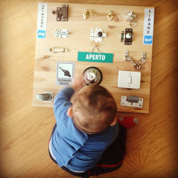 Pannello delle serrature e altre scoperte - Discovery Board by Ilaria de Paoli