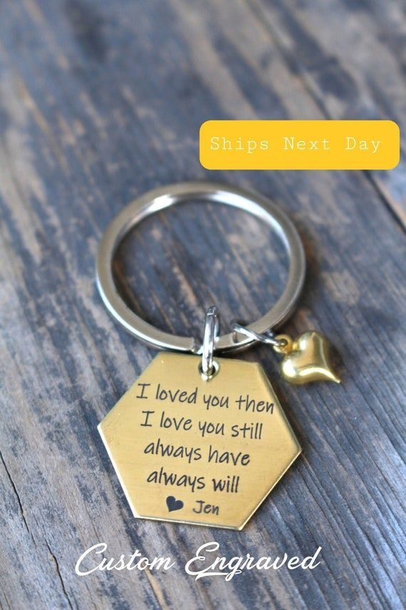 Great Valentine/'s Day Gift! Personalised Photo Engraved Keyring Keychain