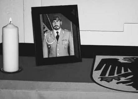 """Trauerfälle im Oktober zum Gedenken:  - Wir gedenken Oberfeldwebel Florian Pauli, FschJgBtl 313 aus Seedorf, gefallen am 07.10.2010 durch ein Selbstmordattentat bei Pol-e Khomri in Nordafghanistan. - Wir gedenken Fallschirmjägers Patric Sauer, Stabsgefreiter des FschJgBtl 263, Zweibrücken, verstorben am 04.10.2009 an den Folgen eines Anschlags vom 06.08.2008 im afghanischen Pol-e-Komri (somit auch im Einsatz """"gefallen""""). - 20. Oktober 2008, Kunduz: Stabsunteroffizier Patrick Behlke (25)…"""