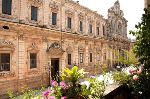 Complesso della Basilica di Santa Croce e del palazzo dei Celestini, Lecce   _________   A wonderful baroque place in Lecce, capital of Salento (Italy)