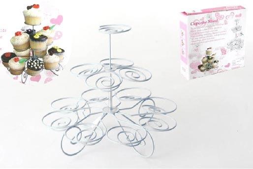 Expositor de metal para cupcakes. Coloca tus magdalenas en este soporte y sorprente a todos tus invitados.  www.tatamba.com