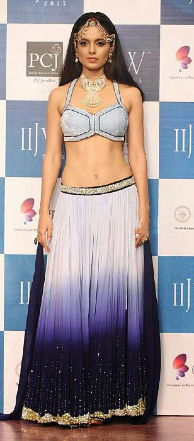 Actress Kangna Ranaut Navel Show Photos