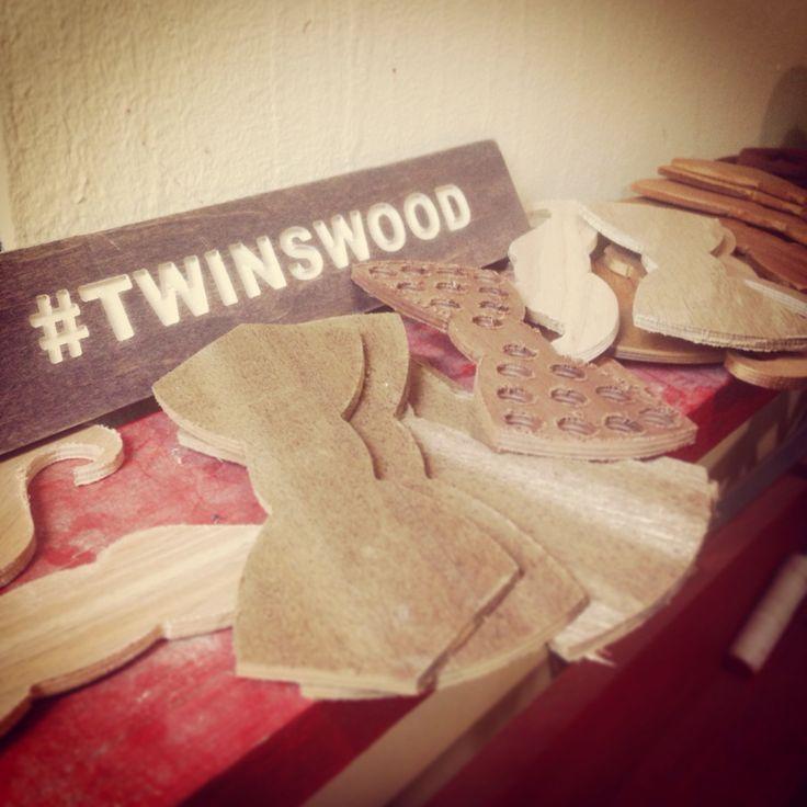 Работа кипит даже на выходных, что бы все заказы на потрясающие галстуки бабочки из дерева @TwinBowTies были отправлены вовремя. Сегодня нам поступил интересный заказ на 100% индивидуальную и эксклюзивную бабочку. Подпишись и следи  за нашими новостями в Instagram и на сайте www.TwinsBowTies.ru / Work flow in #TwinsLab //  #TwinsBowties  #WoodenBowties #WoodBowtie #WoodenBowtie #WoodBowties #TwinsWood #деревяннаябабочка  #бабочкаиздерева #деревянныебабочки  #сделановроссии #russiandesign