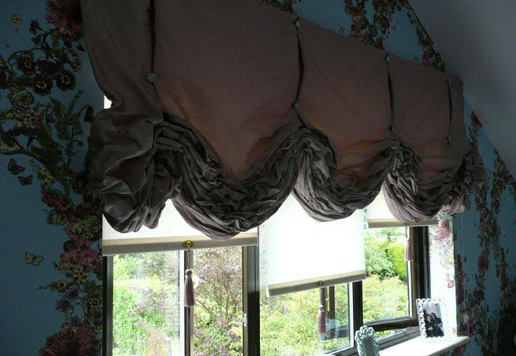 Silk interlined London blind, detailed with crystal buttons Made by Teresa