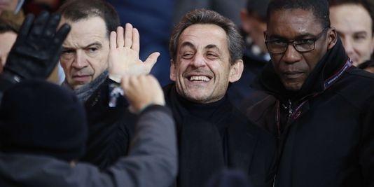 """Selon un sondage, Nicolas Sarkozy a encore un avenir politique. Malgré sa mise en examen pour """"abus de faiblesse"""" dans le cadre de l'affaire Bettencourt, près de deux Français sur trois estimeraient que Nicolas Sarkozy a encore un avenir politique."""