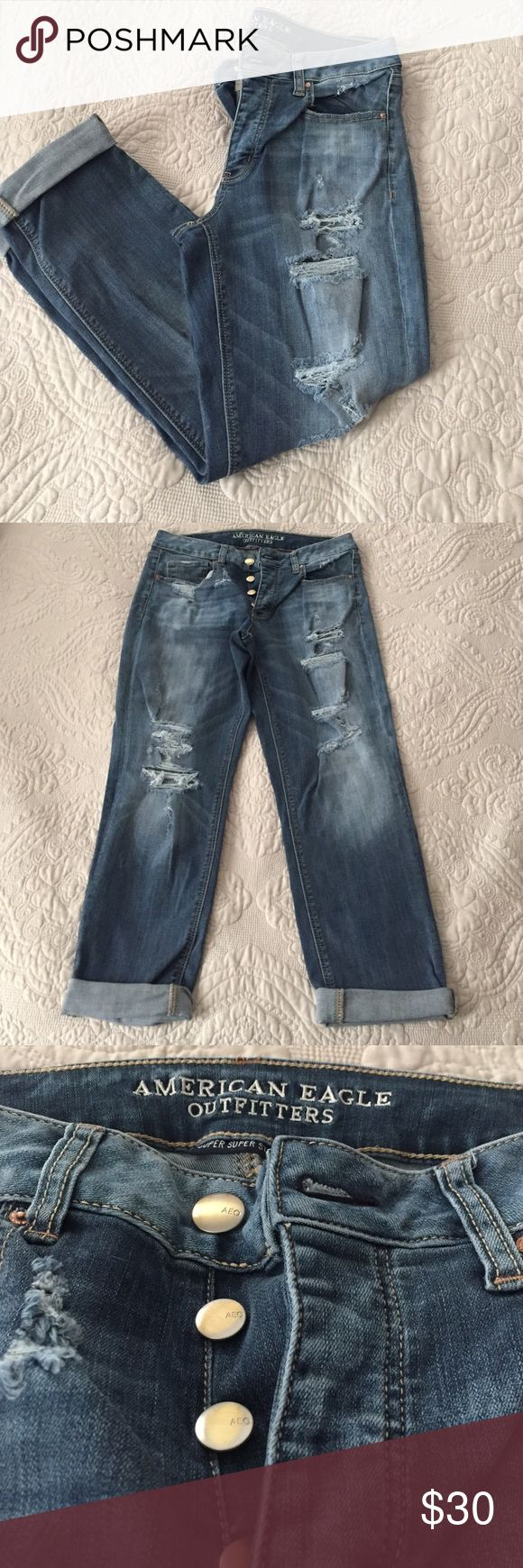 American eagle destroyed Capri Super stretchy , excellent condition only worn once for a few hours. Light - medium wash American Eagle Outfitters Jeans Ankle & Cropped