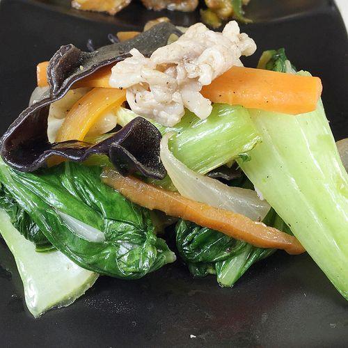 青梗菜ときくらげと白菜の中華風炒め
