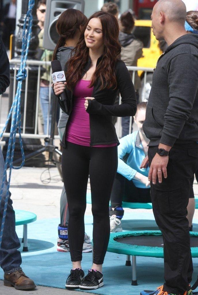 Megan Fox on the set of TMNT (05/07/2013) - megan-fox-tmnt-nyc-7may13-004 - Megan Fox @ megansafox.com | Gallery