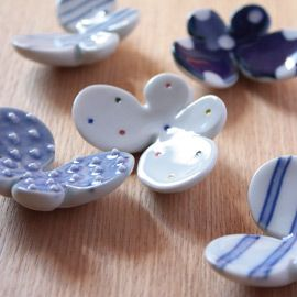 this is not in polymer clay but i love this - tobe-yaki kiln /  箸置き / nakata / butterfly