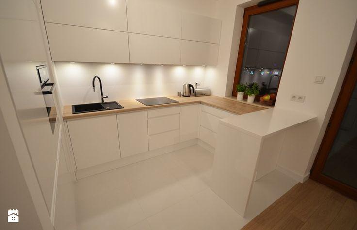 LAKIER PÓŁMAT, BLAT LAMINAT www.meblewach.com.pl MEBLE WACH Kuchnia - zdjęcie od Meble Wach - Meble na wymiar - Pomiar Projekt Wizualizacja 3D - www.meblewach.com.pl
