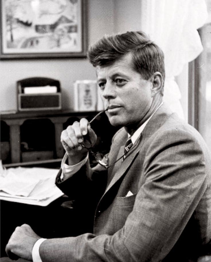 """#JFK100☮ ✌ John Fitzgerald Kennedy, también conocido como """"JFK"""" presidente 35 de los Estados Unidos (29 de mayo de 1917 - 22 de noviembre de 1963)"""