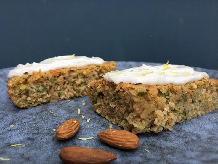Sukkerfri squashkage med koldskål-inspireret flødeostcreme  | Marialottes - En personlig livstils- og madblog