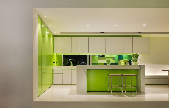 Shakin_Stevens_House_3_green_kitchen