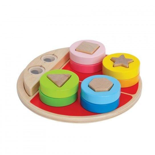 Met dit grappige lieveheersbeestje heb je 3 keer zo veel speelplezier. Je hebt een puzzel, een vormenspel en een evenwichtsbalk, wat een lol! Met dit gekke beestje wordt je al spelend wijs. Je ontdekt kleuren, vormen, evenwicht, lost problemen op en je ontdekt nog veel meer. Gemaakt van hout, waterverf en PC. Afmeting: verpakking 24 x 23 x 6 cm - Hape Sorteerpuzzel Lieveheersbeestje