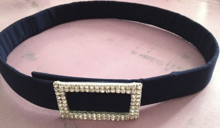 Tu #cinturón a medida y con hebilla de #strass en el color que elijas!!! ¿qué color te gusta más?