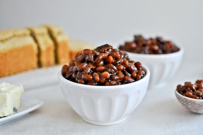 Crockpot Bacon Bourbon Baked Beans from @How Sweet Eats