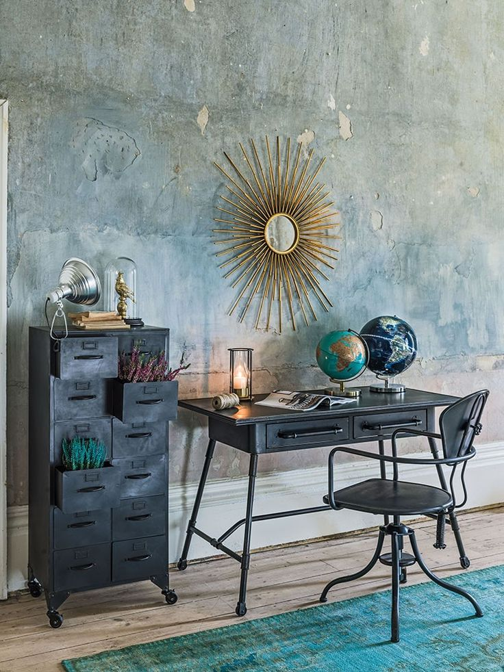 Combining various metals & textures, this season's successful interiors channel a luxe look