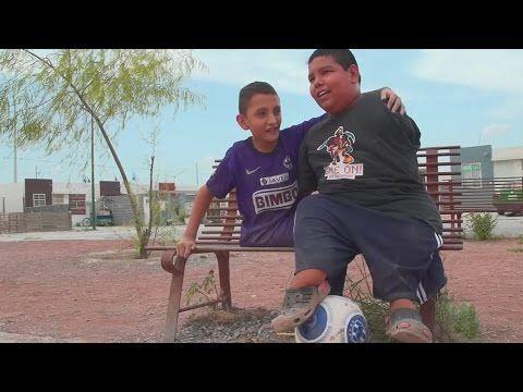 Unos niños demostraron que nacer con una discapacidad física no es impedimento - YouTube