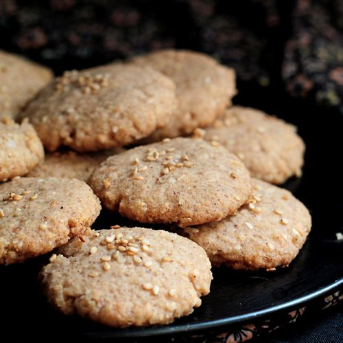 two of my favorite things--sesame seeds and coconut: vegan sesame coconut cookies