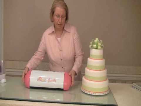 Cricut Cake tutorials and recipes, I know I'm going to regret learning just how cool this is....