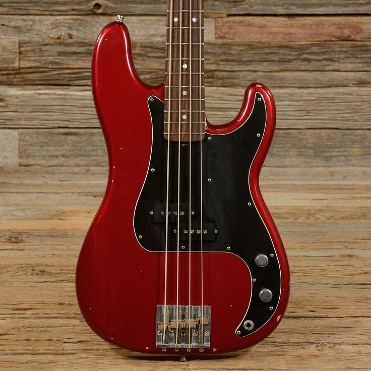 Fender Precision Bass Nate Mendel Signature Red Nitro 2013 (s136)