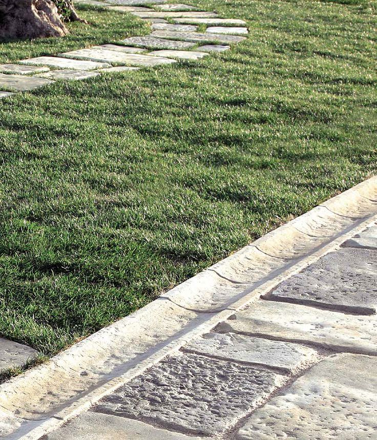Canaline - (dettaglio esterno) #Catalogo #pezzi #speciali online: http://www.pietraprimiceri.it/catalogo/catalogo-pezzi-speciali.html #primiceri #manufatti #pietraprimiceri