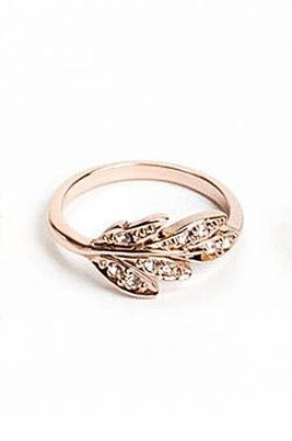 Leaf Ring- I would wear this as a wedding ring no prob...