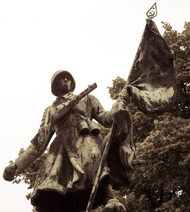 Soviet memorial, Dresden, July 2013.