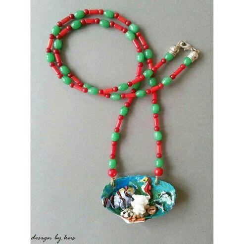Anneler Günü'ne son günler kala!  Denizi, su altını seven annelere bu yaz boynundan hiç çıkarmak istemeyeceği bir kolye hediye etmeye ne dersiniz?  www.designbykus.com