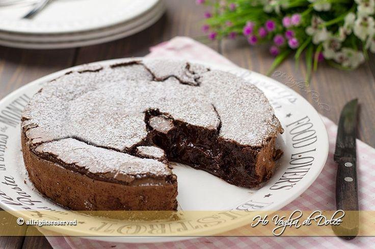 Torta al cioccolato fondente cremosa
