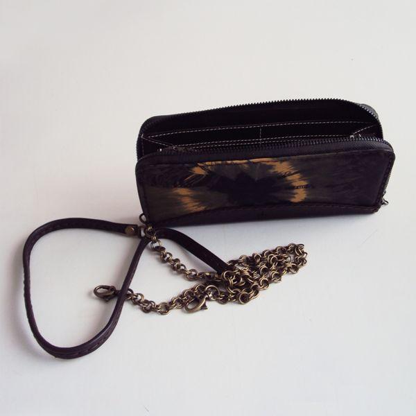 Ref: Billetera Mara Material: Cuero – Pintado a mano Técnica: Batik Medidas: 20 cm x 9.5 x 2cm  Producto hecho a mano http://www.monicatejada.co/