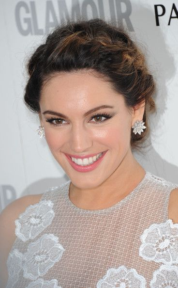 Kelly Brook Hair also good make-up, very natural, highlights features.