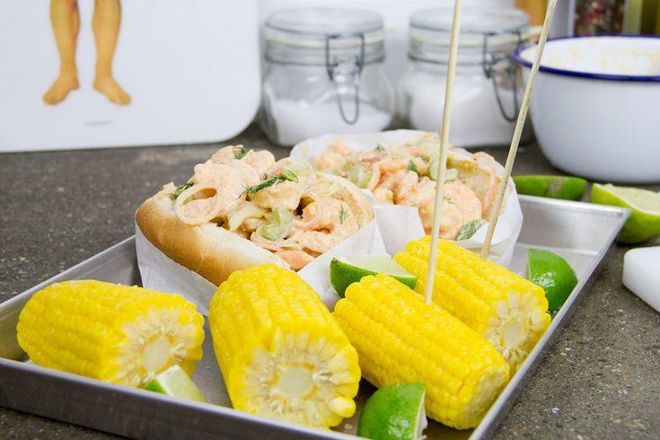 Shrimp Rolls fatti in casa. Un panino facile e veloce da preparare con i gamberi, perfetto per una cena street food!