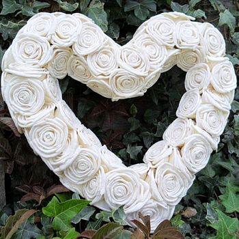 sola rose heart wreath offer by yatris home and gift | notonthehighstreet.com