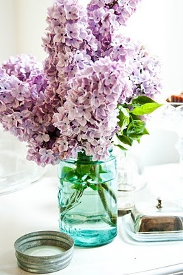 Lilacs in a blue mason jar.: Blue Ball, Blue Mason Jars And Lavender, Favorite Flowers, Blue Jars, Ball Mason Jars, Wedding Flowers, Flowers Ideas, Flowers Decor, Vintage Decor