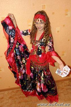 Как сделать детский карнавальный костюм цыганочка