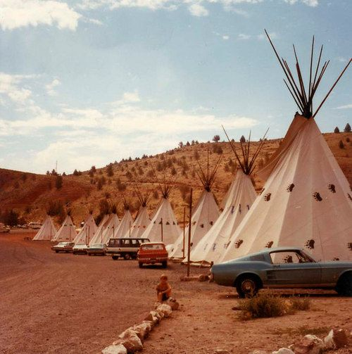 25 best ideas about teepee motel on pinterest wigwam arizona wigwam hotel and wigwam motel. Black Bedroom Furniture Sets. Home Design Ideas